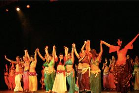alumnas leena qadi, clases danza del vientre, clases divertidas baile,