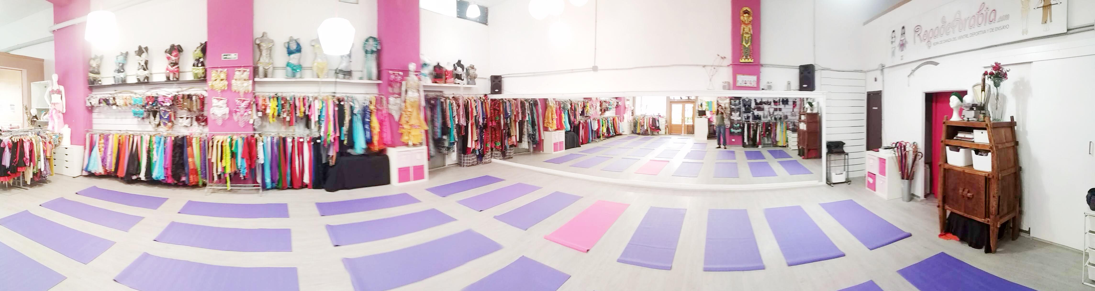escuela de leena qadi, espacio efimeral, tienda ropa de arabia